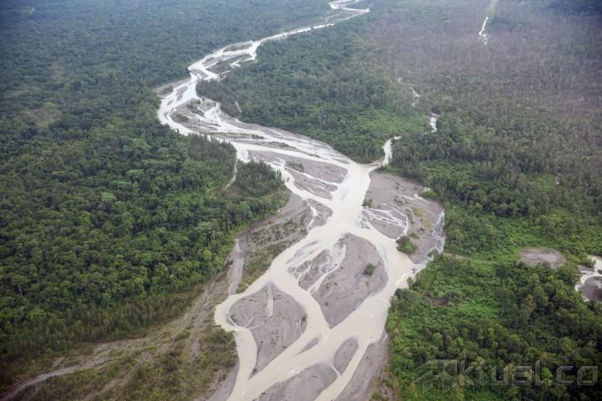 """"""" Cabut Izin Industri Ekstraktif yang Melanggar HAM dan Merugikan Hak Hidup Masyarakat Adat Papua"""""""