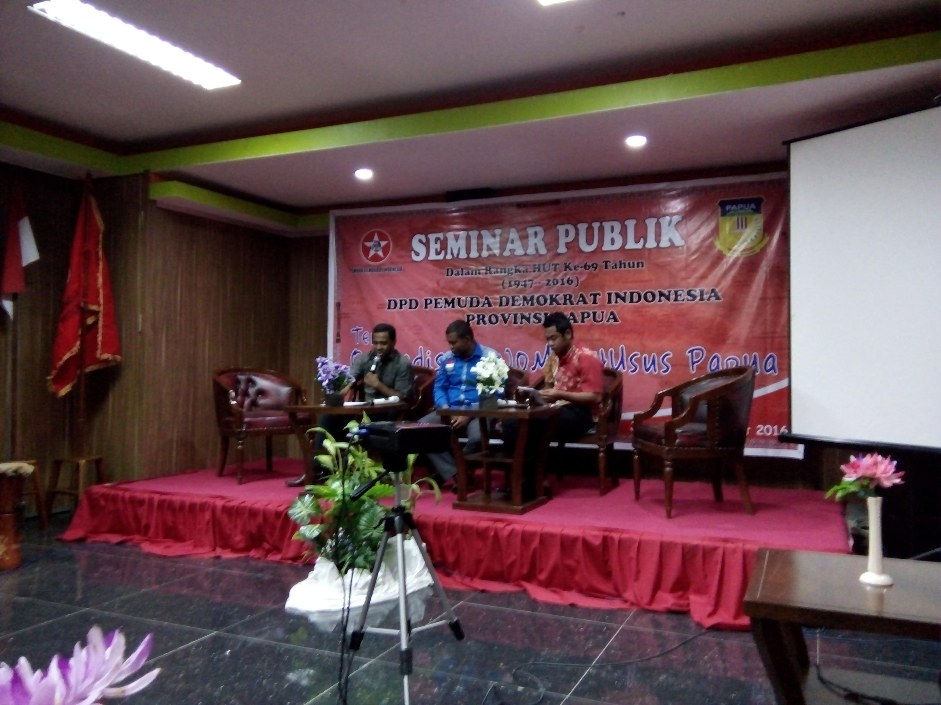 Seminar Publik Quovadis Otonomi Khusus Papua oleh Pemuda Demokrat