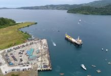 Tampak Gambar Udara Kapal .Nusantara 2 saat akan masuk di Pelabuhan Peti Kemas Depapre Kabupaten Jayapura ( Foto ; Nesta Makuba )