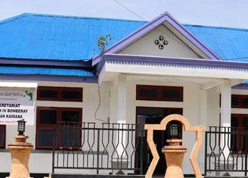 Kantor Dewan Adat (DAK) Kaimana (Foto Nesta Makuba )-crop