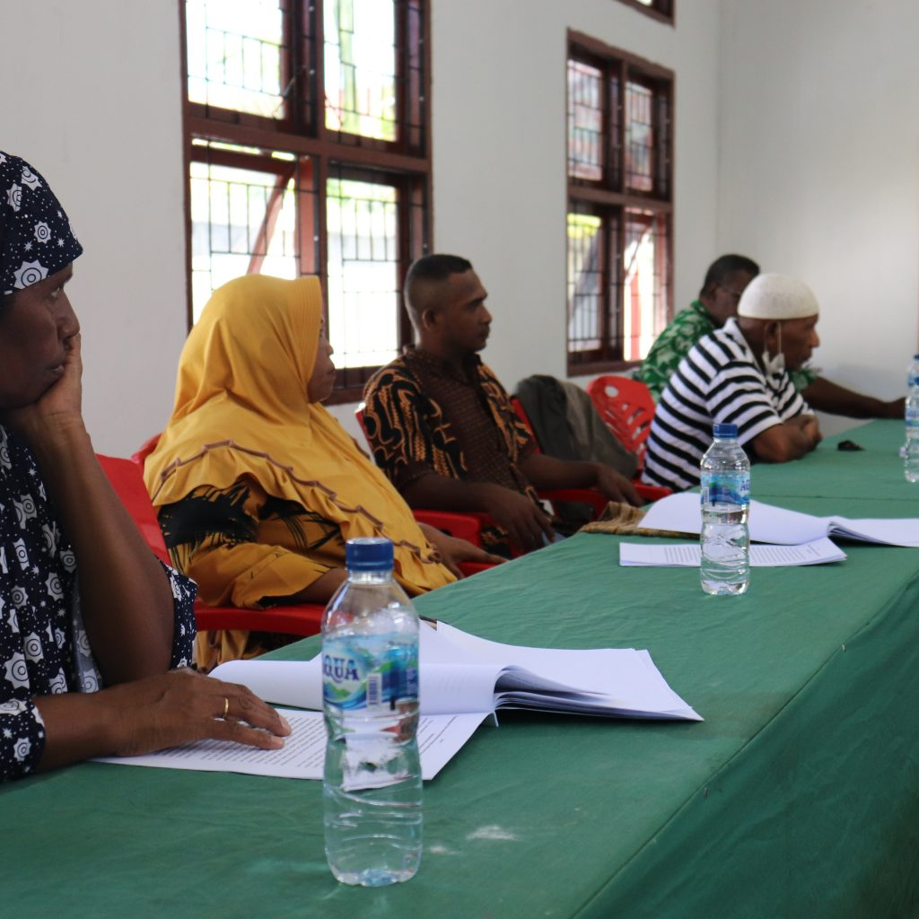 Masyarakat Adat Suku Koiway Saat melakukan verifikasi dan Idetifikasi Kajian Naskah Akademik yang di Lakukan Jaringan Kerja Rakyat Papua (JERAT PAPUA) Foto Nesta Makuba