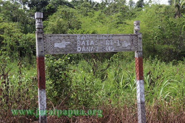 Kampung Batas Kampung Iwaka( Foto : nesta makuba )